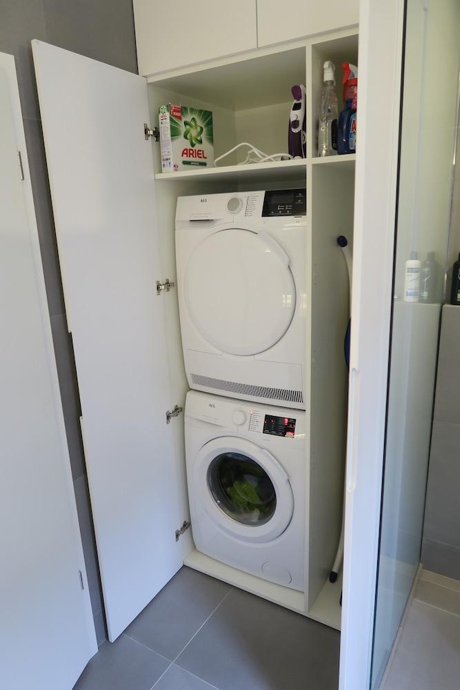 Apartment F8