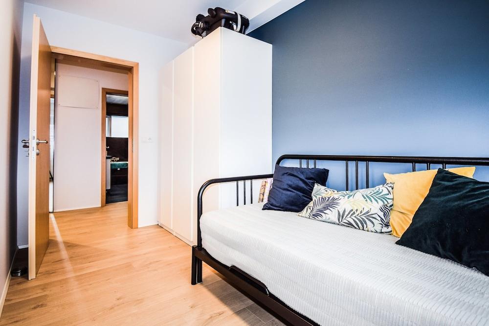 Apartment G22