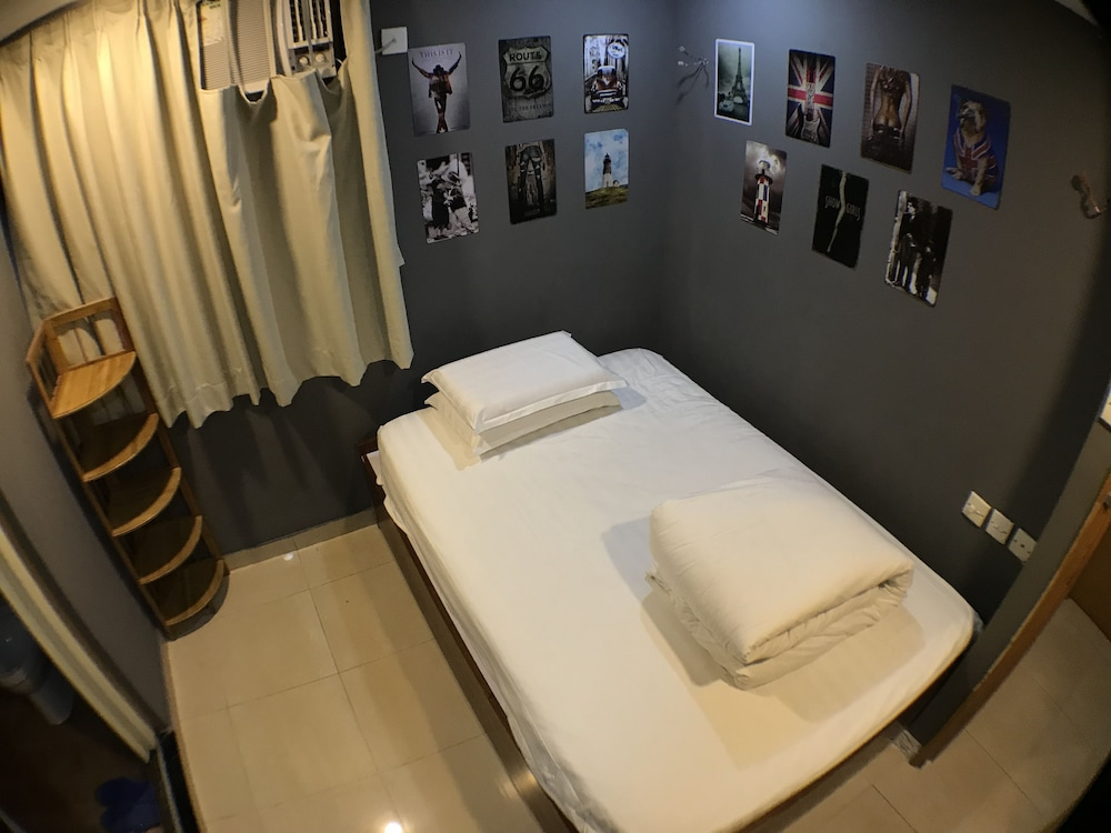 https://i.travelapi.com/hotels/37000000/36040000/36034400/36034313/b3ed445a_z.jpg