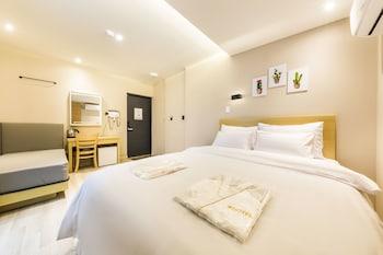 ホテル サム