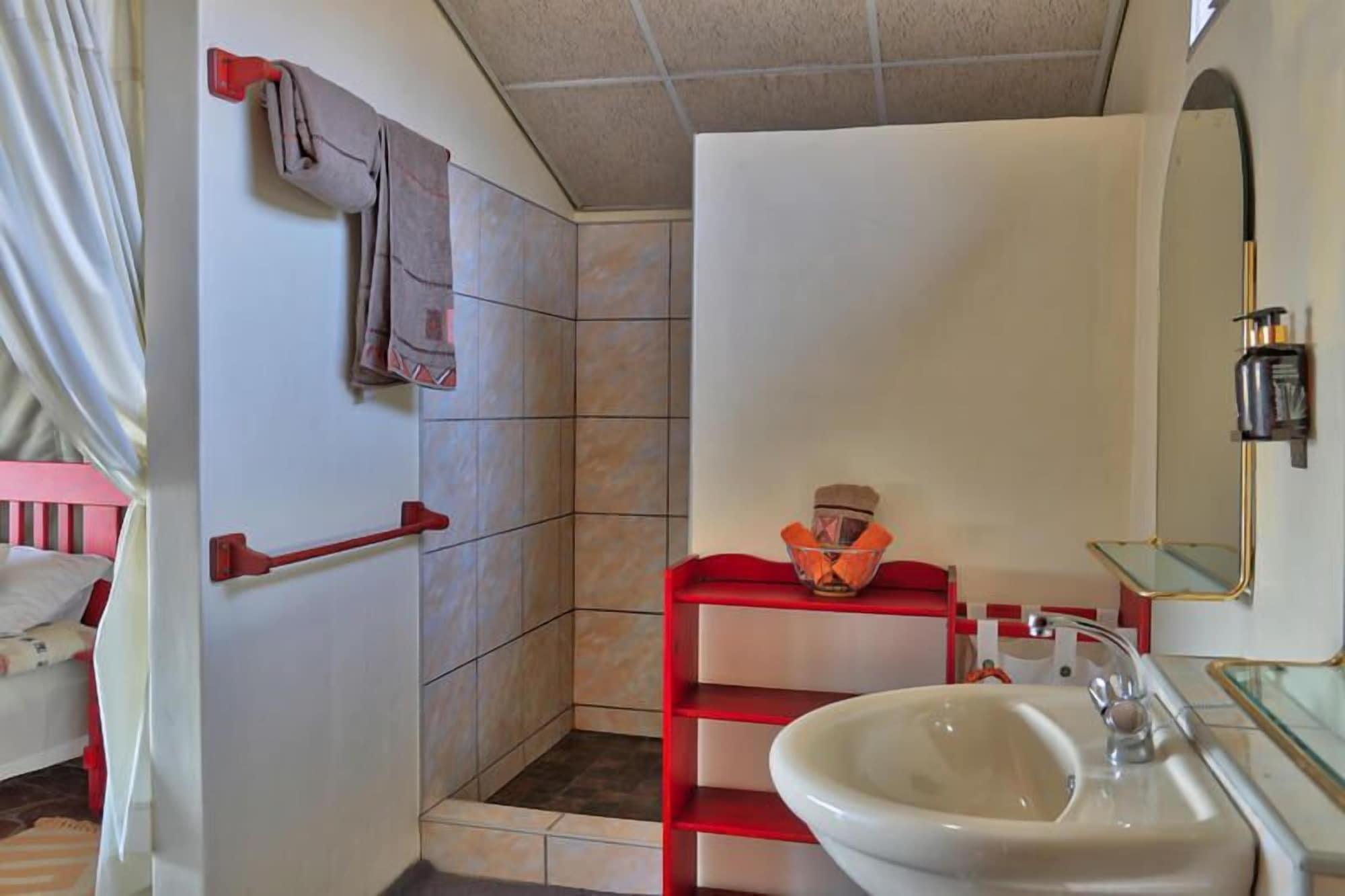Etosha Mopane Safari Lodge, Otavi
