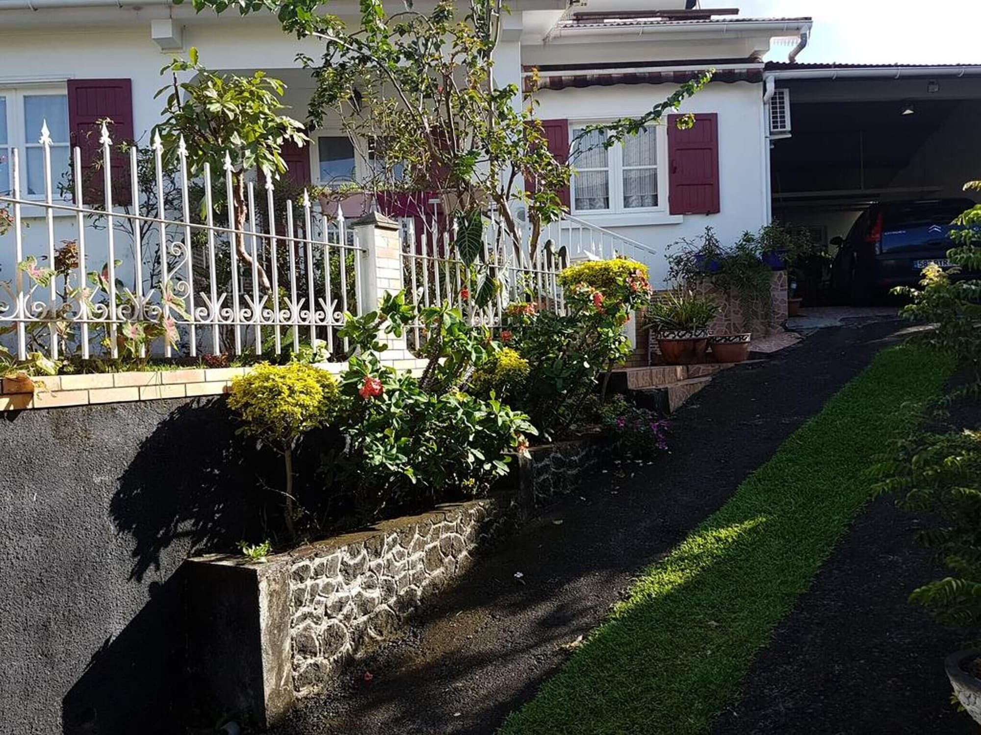 House With 3 Bedrooms in Sainte Rose, With Enclosed Garden and Wifi - 8 km From the Beach, Sainte-Rose