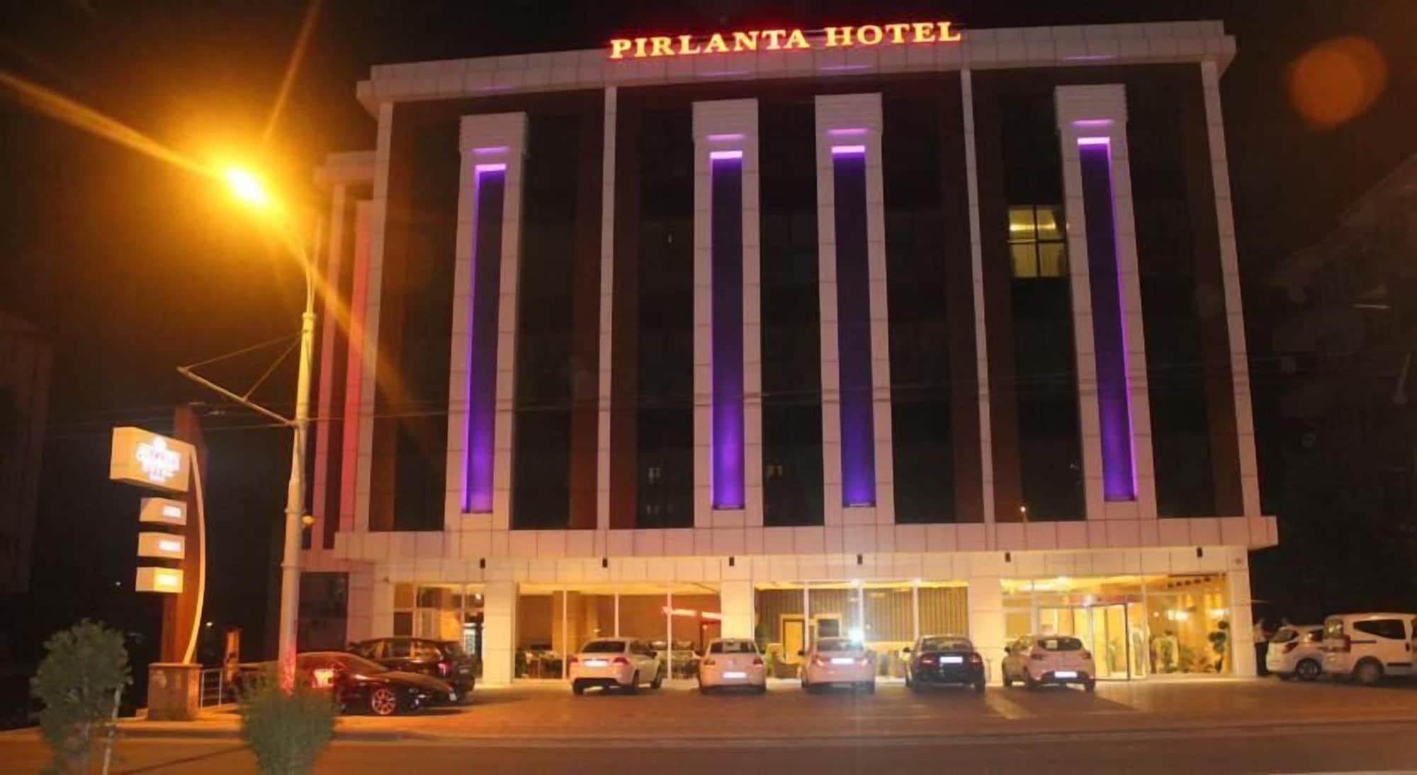 YZE Pirlanta Hotel, Merkez
