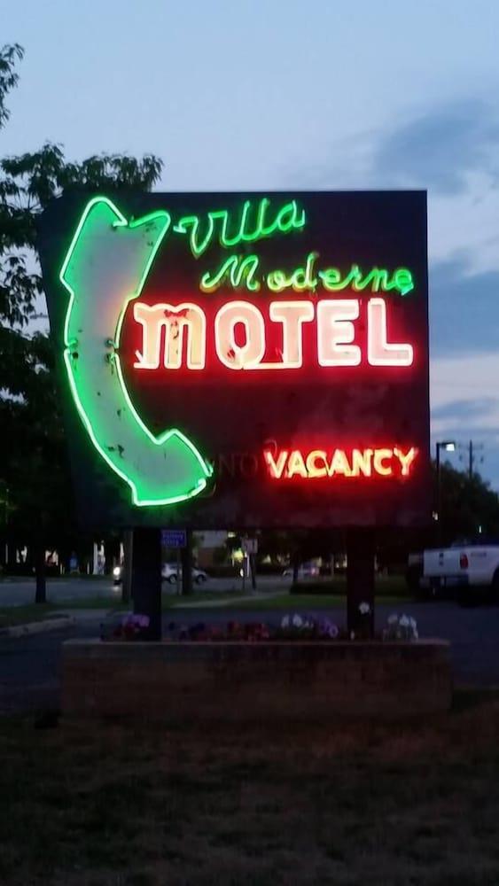 Villa Moderne Motel | Charlevoix | Qantas Hotels Australia