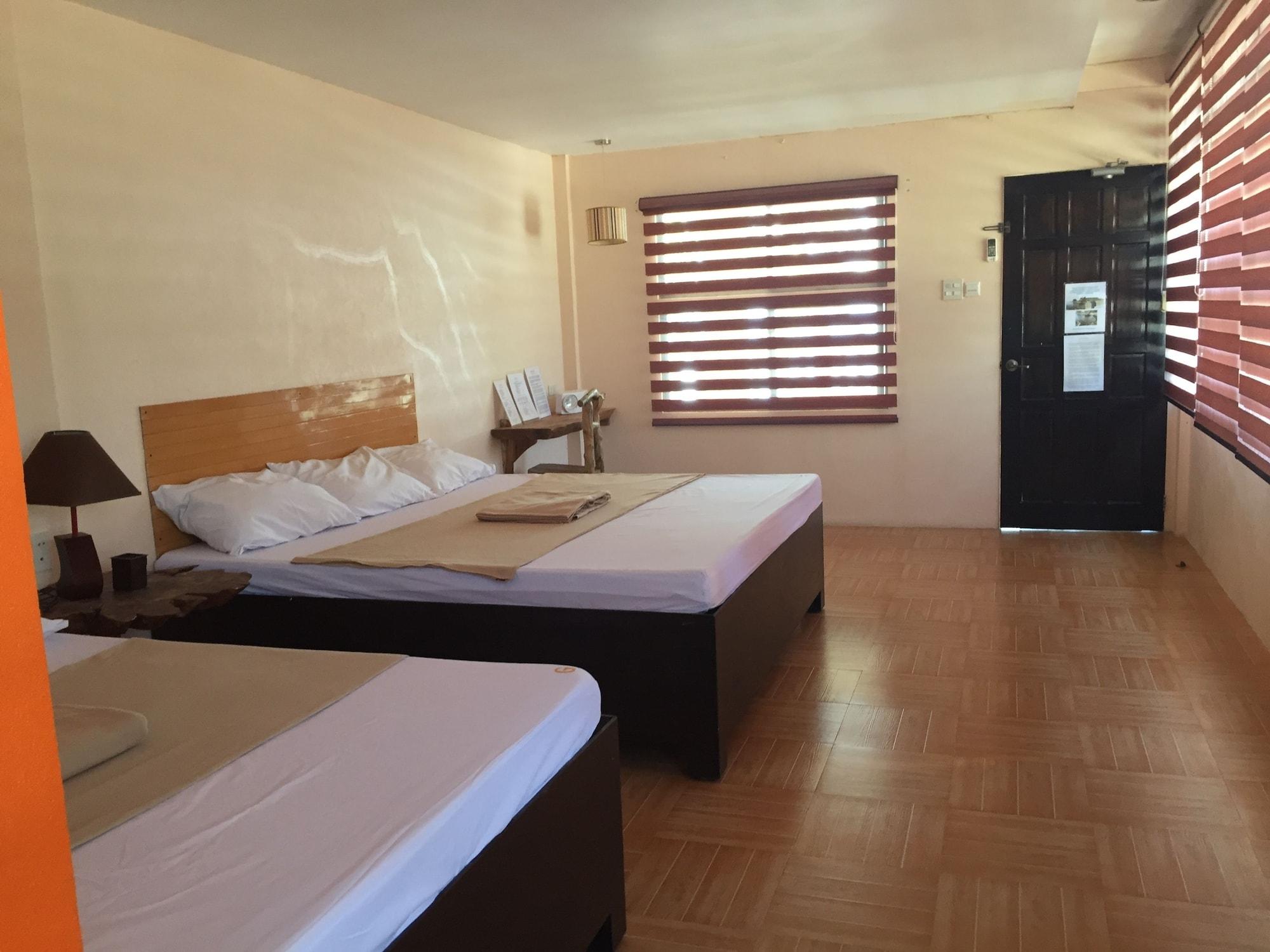 Hotel G Beach Resort and Restobar, Bolinao