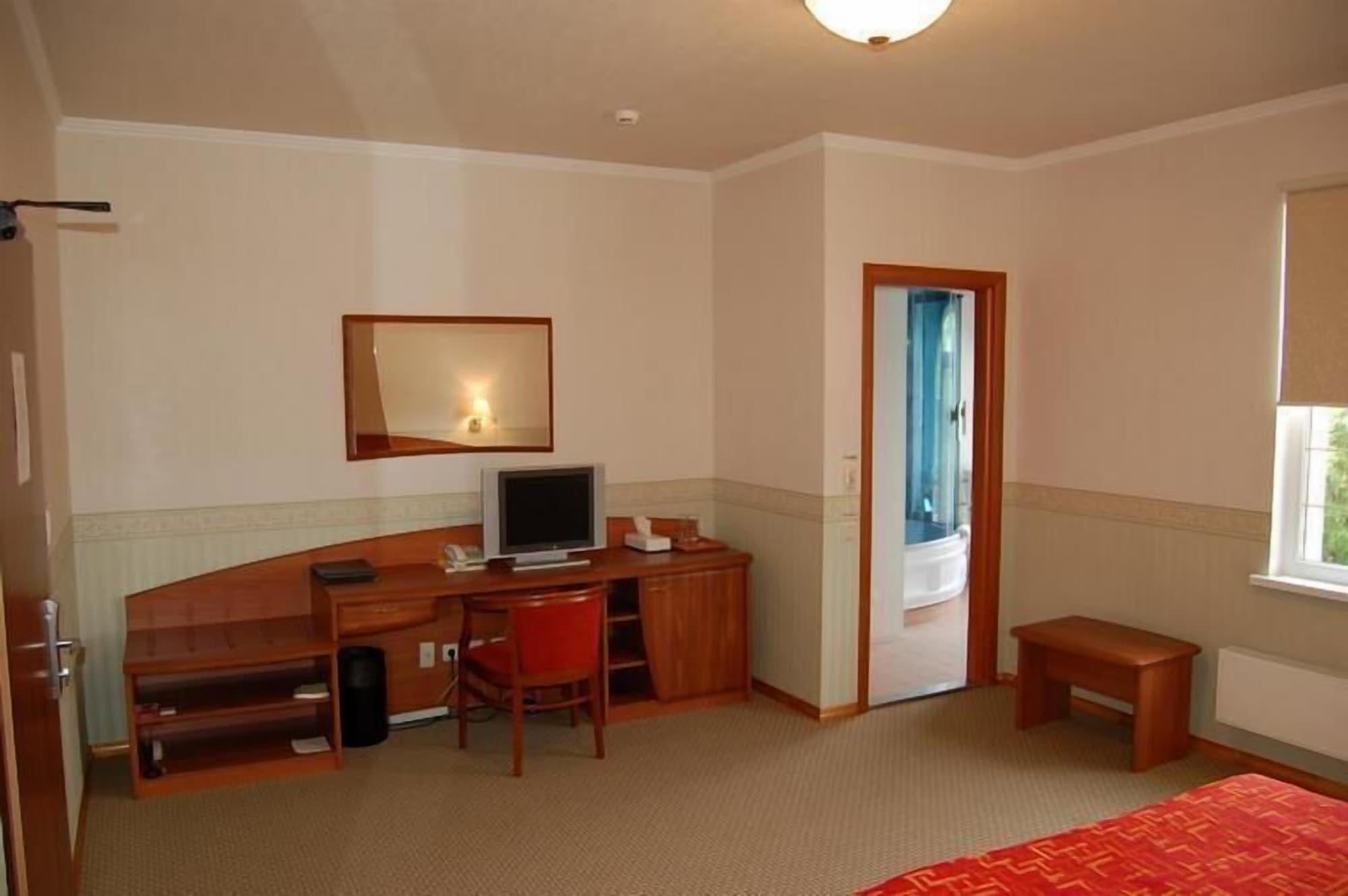 Mithos hotel, Anivskiy rayon