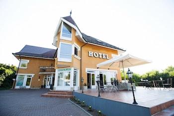 HOTEL RADIO INN 2