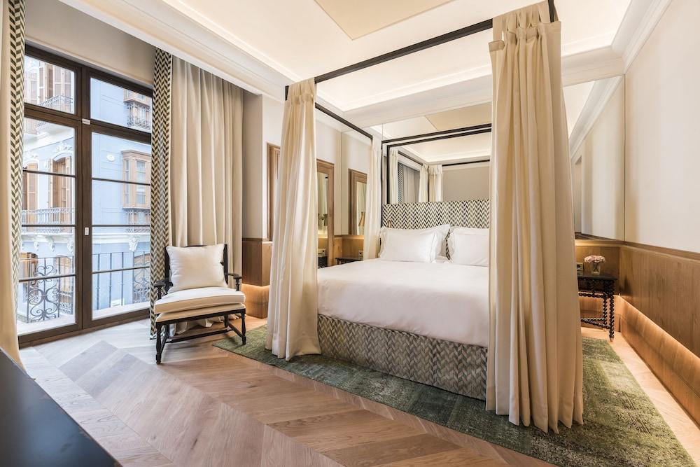 https://i.travelapi.com/hotels/37000000/36310000/36305000/36304956/6732a16c_z.jpg