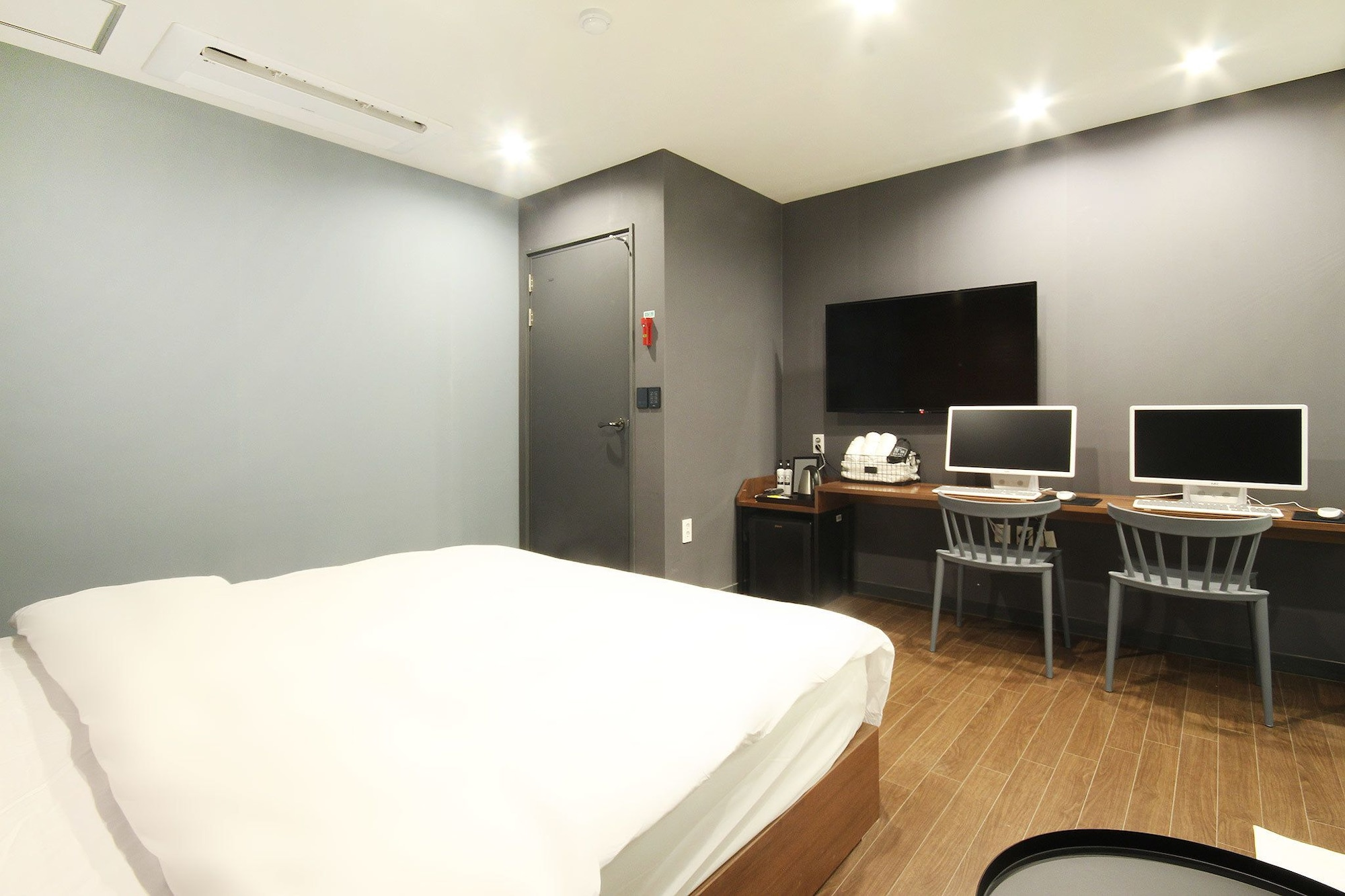 NO.25 Hotel Convention Changwon, Changwon