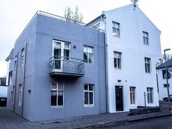 Luna Hotel Apartments Baldursgata