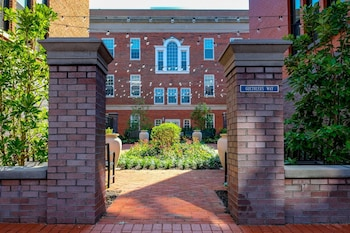 Hotel - Capitol Hill - Four Bedroom TownHouse
