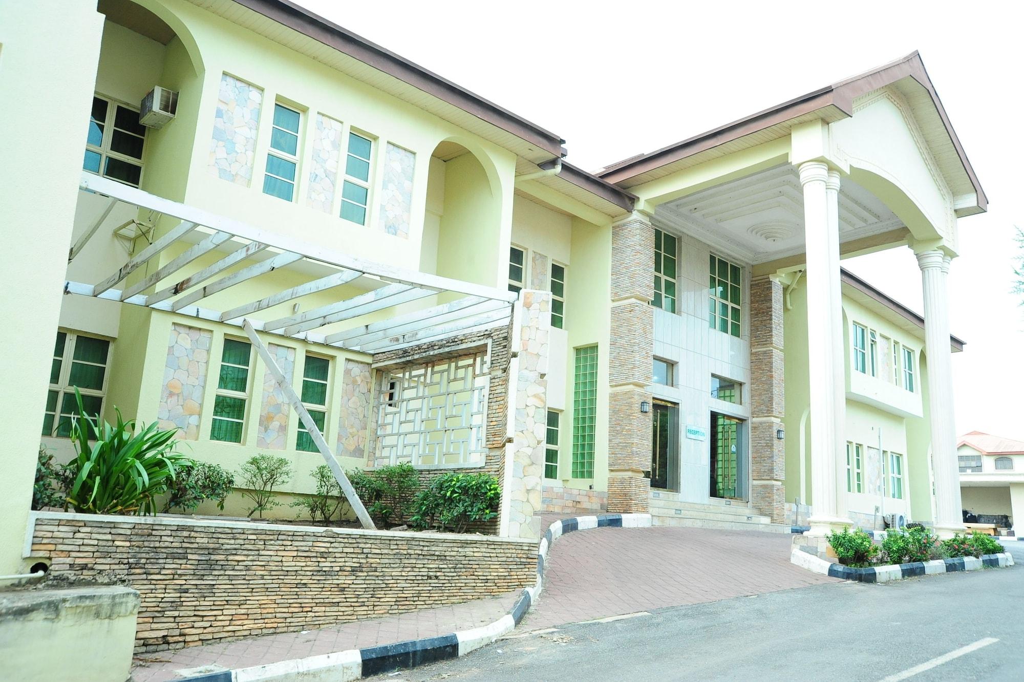 Richton Hotel and Suites, Obafemi-Owode