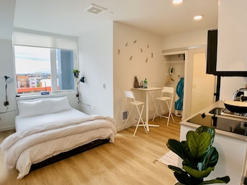 羅斯福設備完善開放式客房飯店 Well Appointed Roosevelt Studio