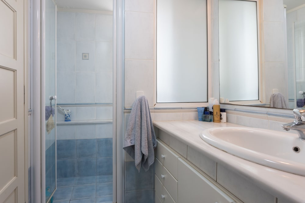 カセステラ アパートメント スタニング シー アンド ポートビュー アパートメント