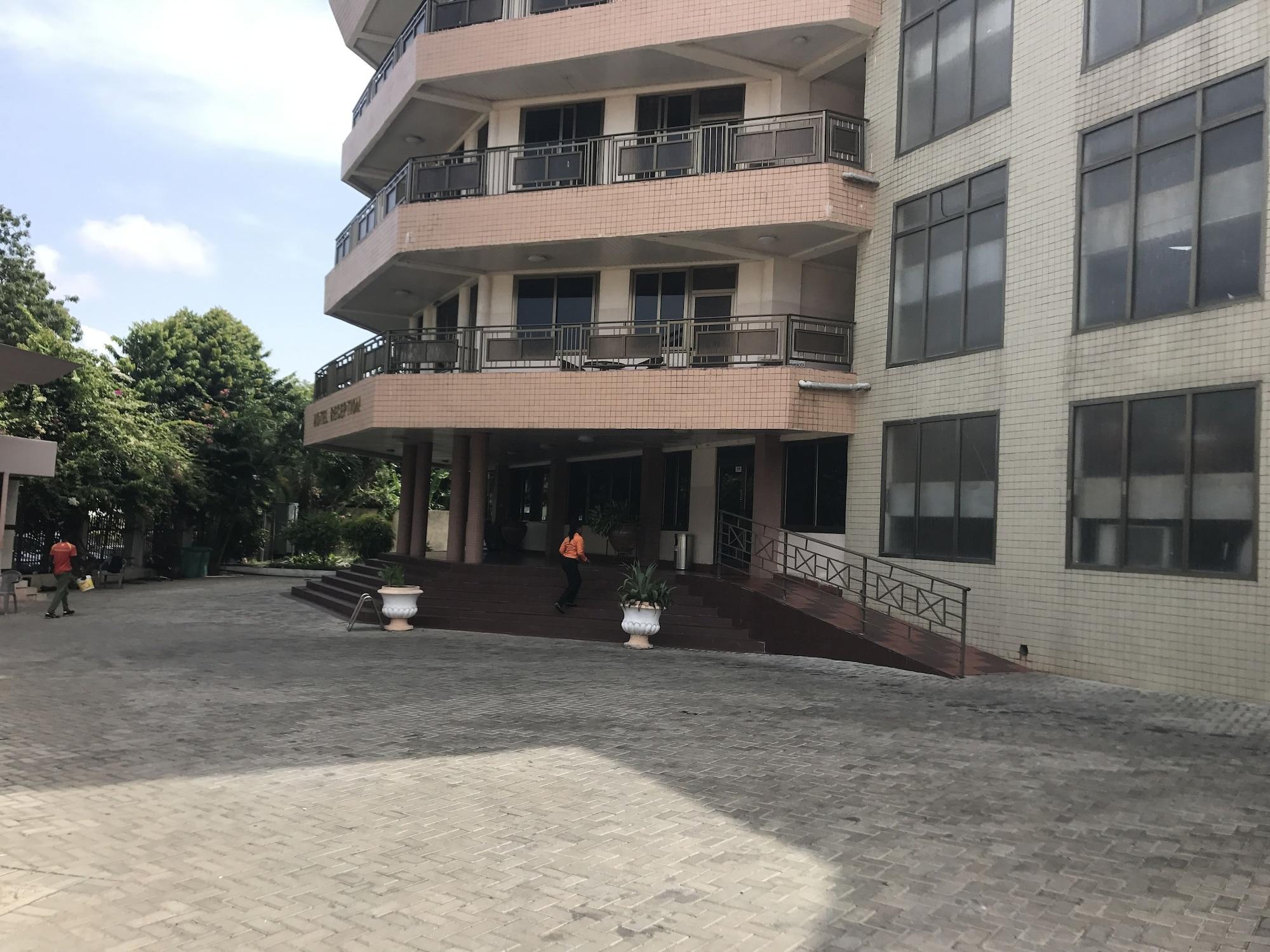 Akroma Plaza, Shama Ahanta East