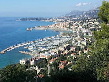 Villa With one Bedroom in Menton, With Wonderful sea View, Private Poo