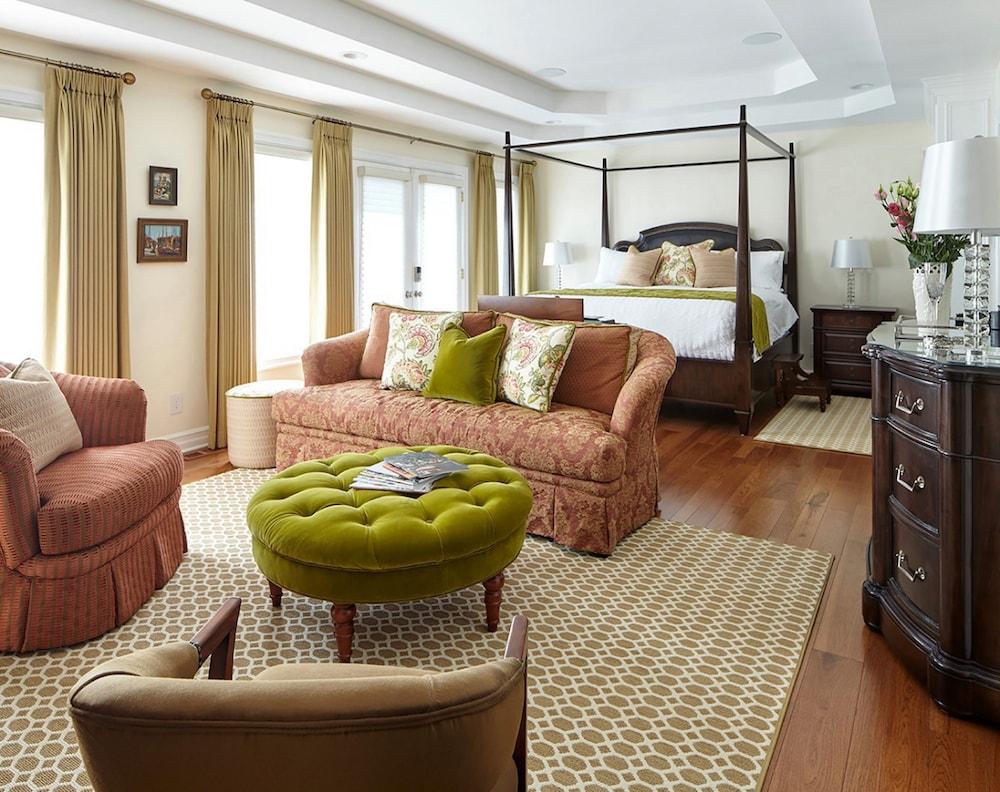 https://i.travelapi.com/hotels/37000000/36460000/36455900/36455862/292f5fed_z.jpg