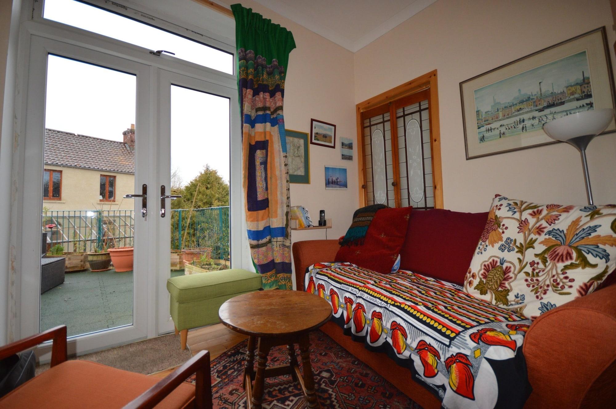Beautiful 2 Bedroom House In St Werburgs, Bristol