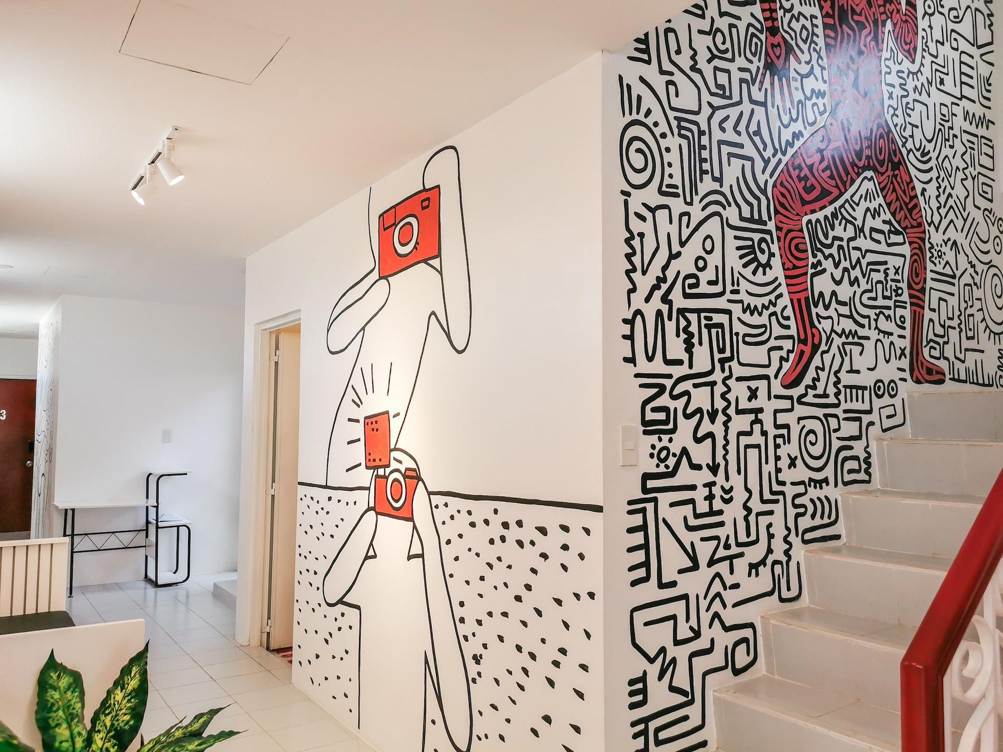 Murals Hostel & Cafe Mactan, Lapu-Lapu City
