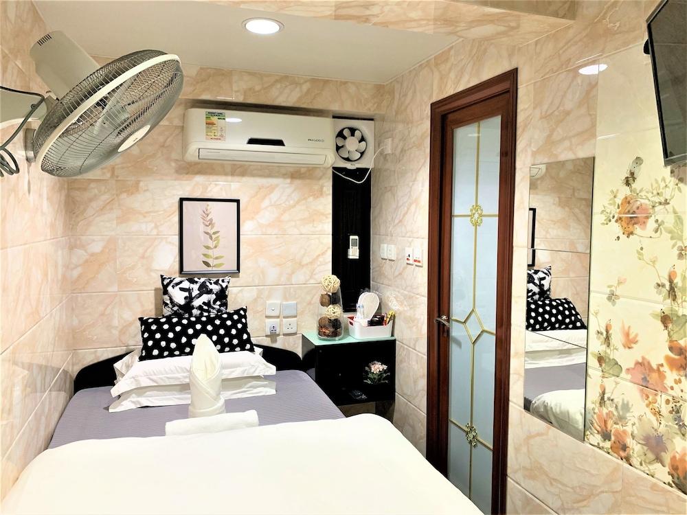 https://i.travelapi.com/hotels/37000000/36660000/36655000/36654993/20f00243_z.jpg