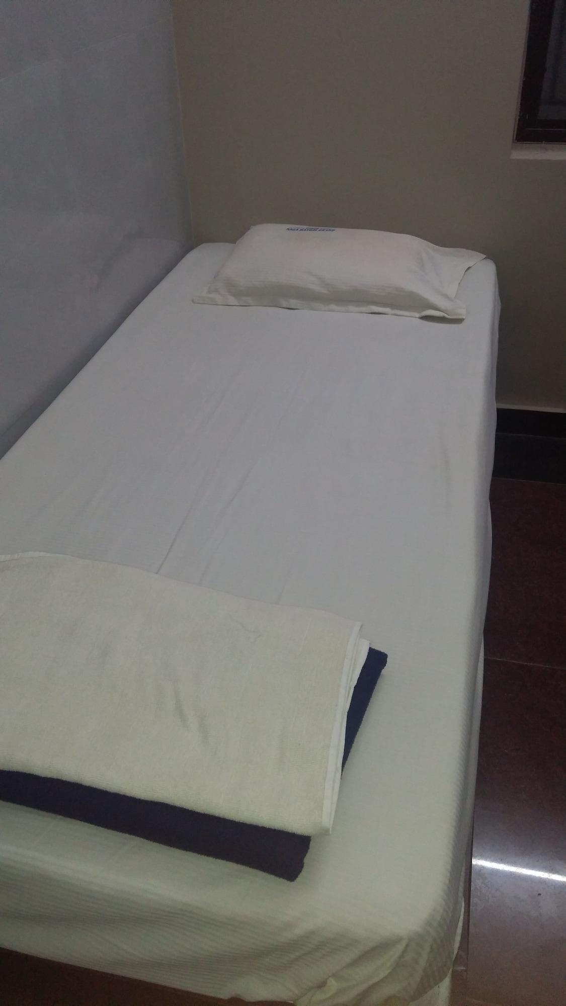 Iroomz NVR Hotels Luxury Redefined, Kurnool