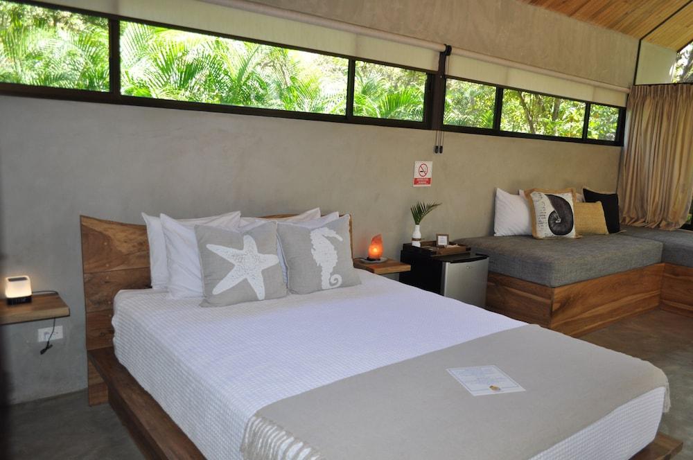 https://i.travelapi.com/hotels/37000000/36700000/36698200/36698199/6d9d9eb4_z.jpg