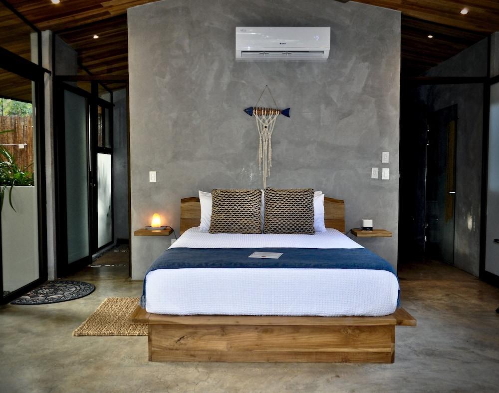 https://i.travelapi.com/hotels/37000000/36700000/36698200/36698199/cf0e8dfb_z.jpg