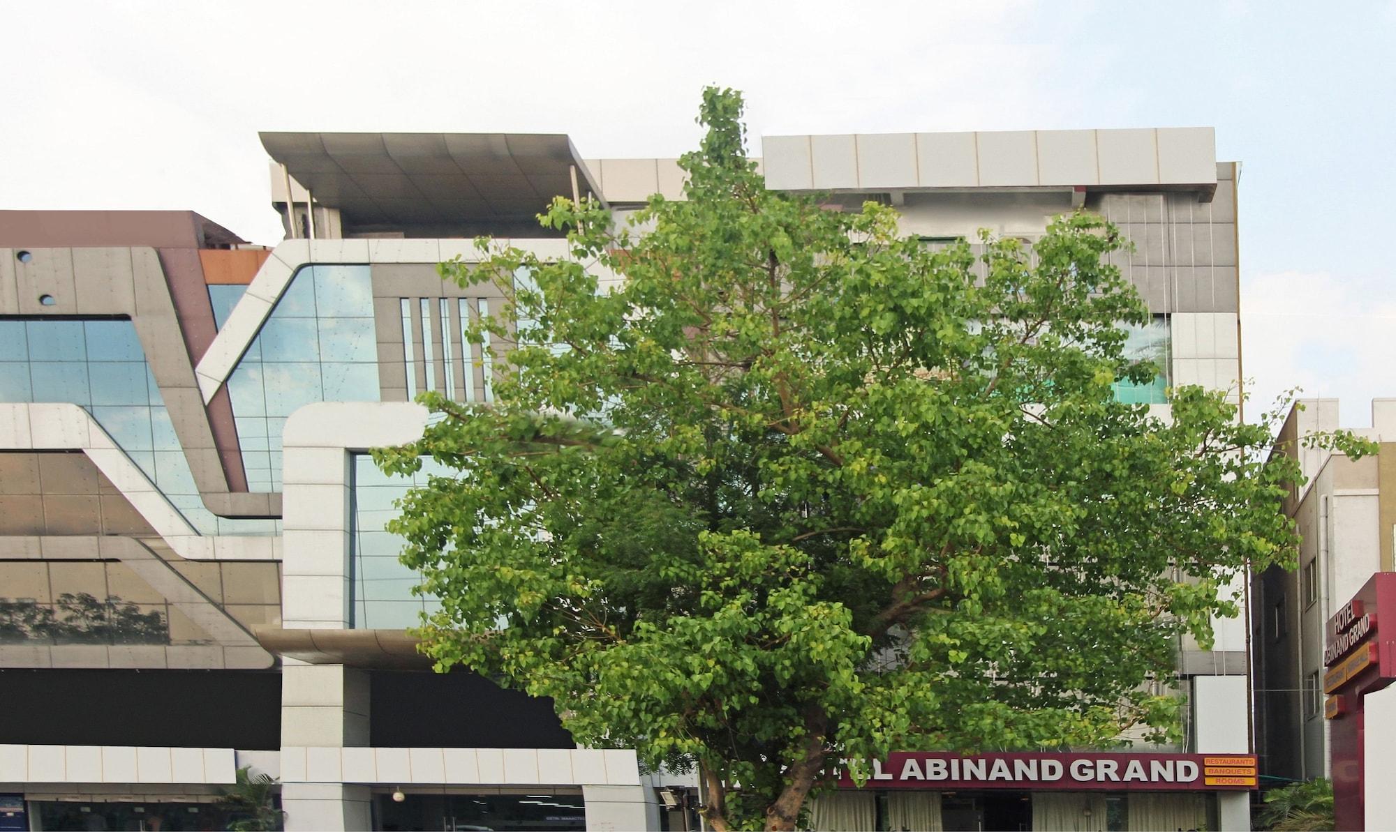 Treebo Trend Abinand Grand Bhel, Medak