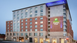 Holiday Inn Express & Suites Ottawa Downtown East, an IHG Hotel