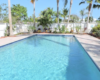 Blue Pearl 4/2 Pool For10 Close to Beaches