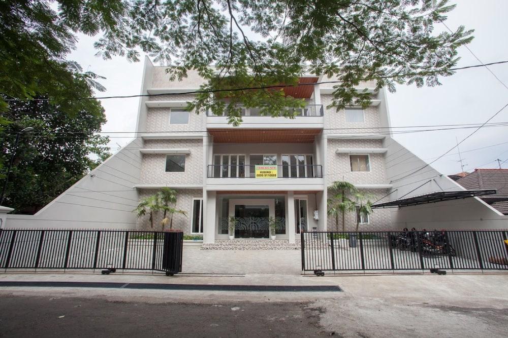 Reddoorz Syariah Near Universitas Negeri Malang Qantas Hotels