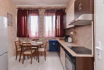 - RAKOVSKI STREET - TWO BEDROOM SPACIOUS APARTMENT