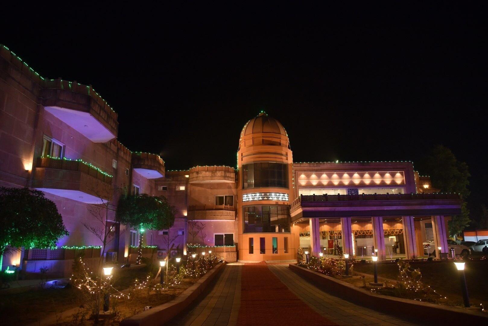 Riverfront Resort, Satna
