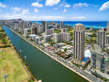 Hotel - Hawaiian Monarch Hm2403