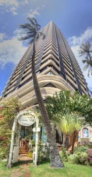 Hotel - Hawaiian Monarch Ph303