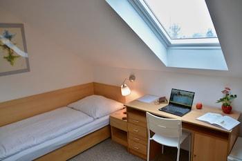 Single Room (9)