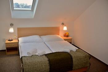 Triple Room (10)