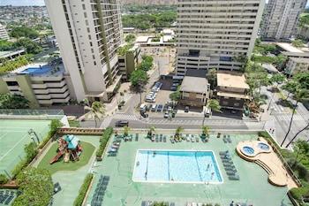 Hotel - Waikiki Banyan - Pool View Tower 1 Suite 1507