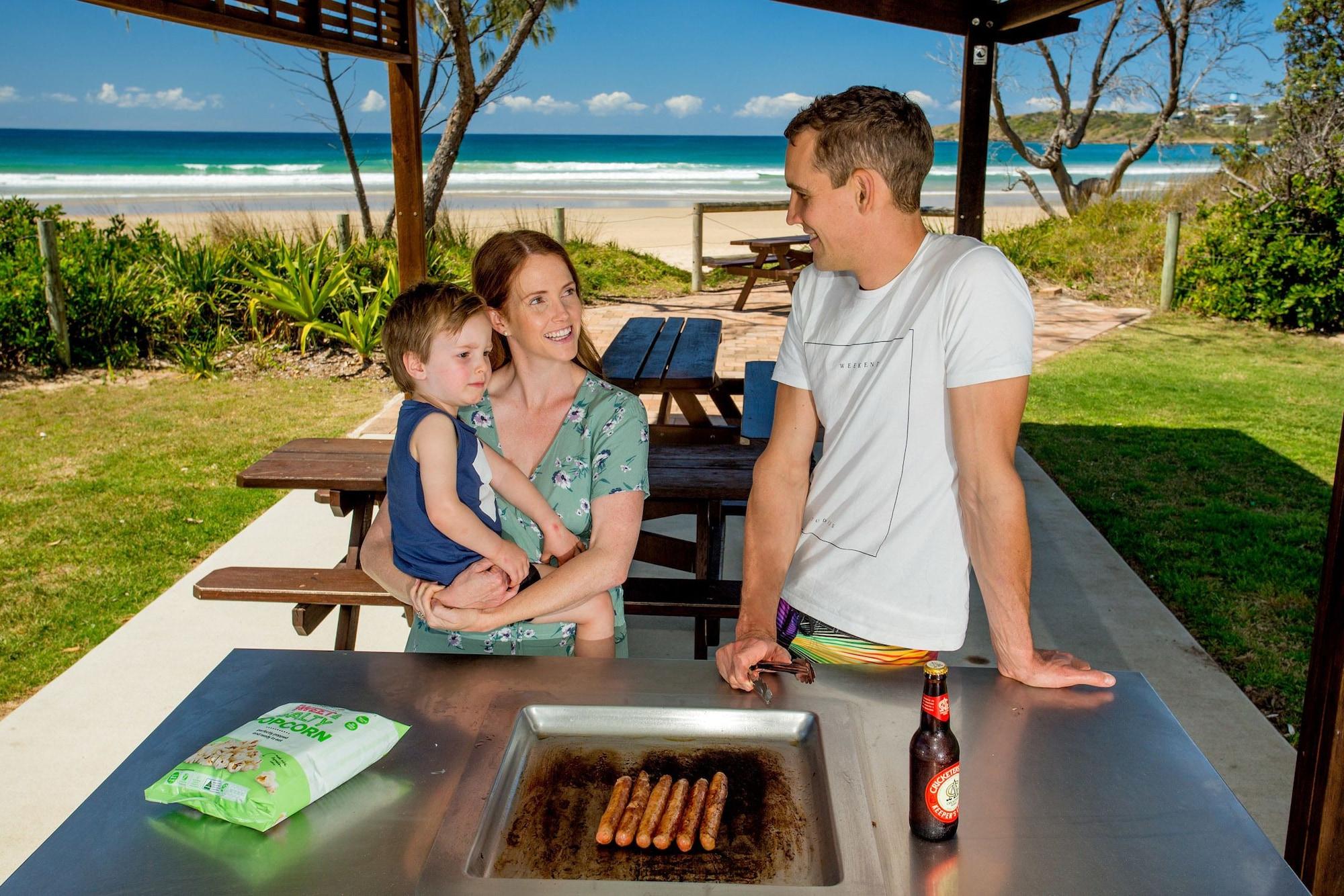 Woolgoolga Lakeside Holiday Park, Coffs Harbour - Pt B