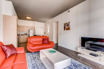 Gorgeous 2 Bedroom in the Heart of DT
