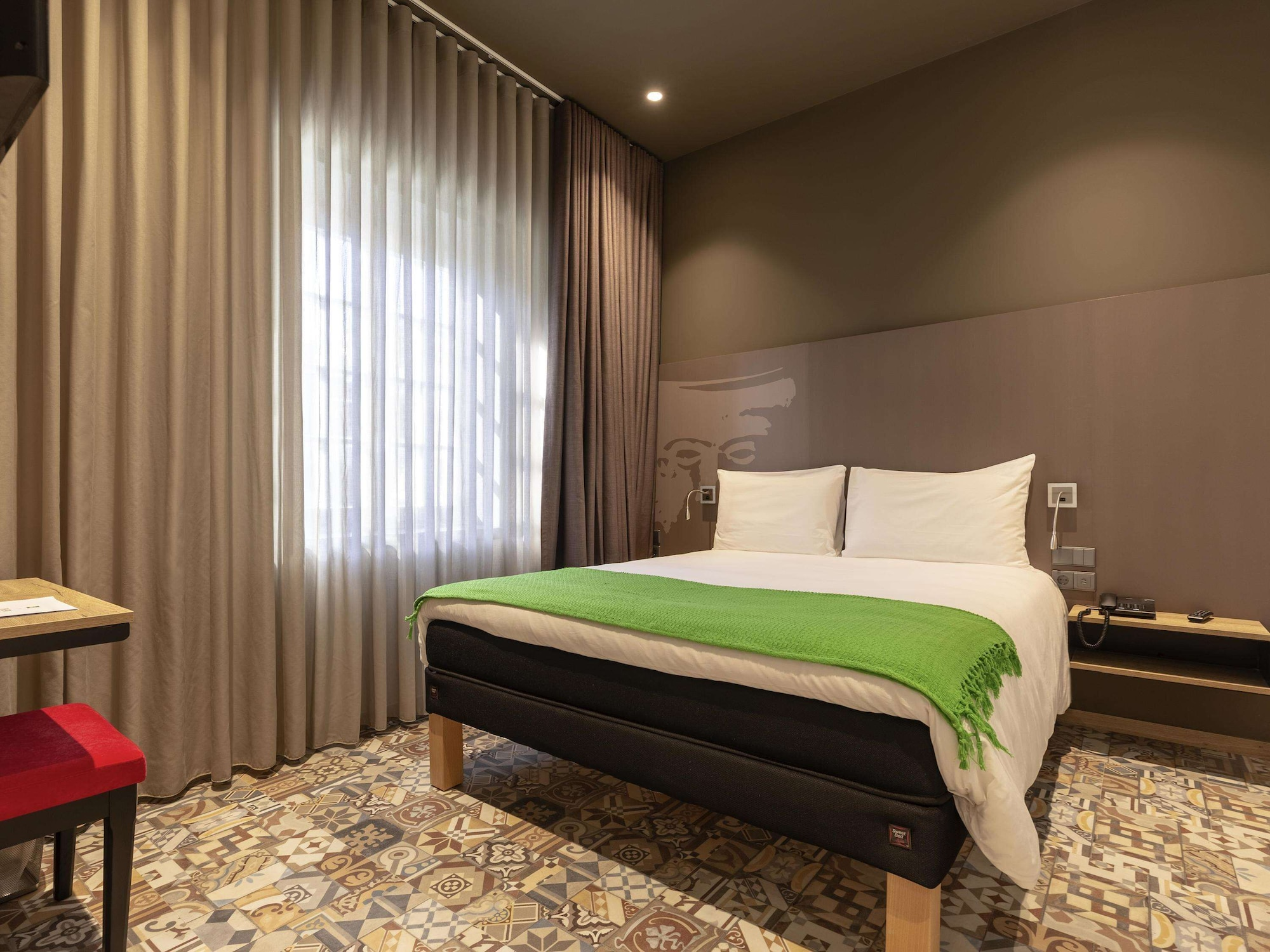 ibis Styles chaves, Chaves