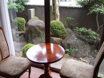 TAKAMA GUEST HOUSE - HOSTEL Room