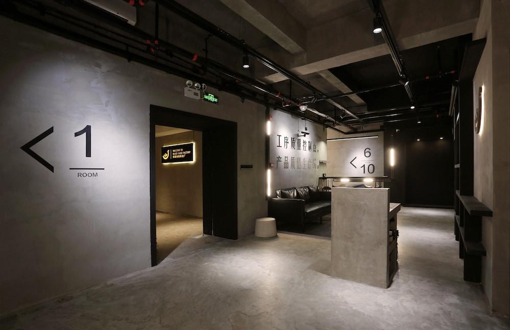 f1f94e147211d Black Gold Factory Boutique Design Hotel | Shenzhen | Qantas Hotels ...