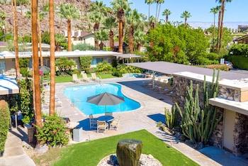 Hotel - Desert Hills