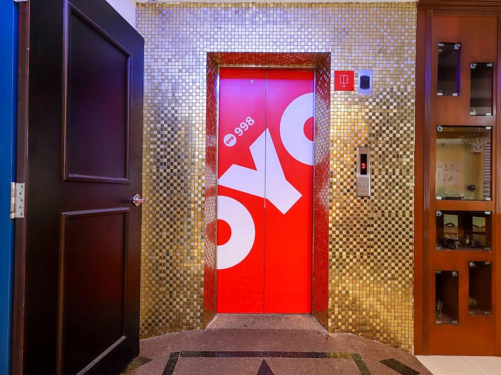 OYO 998 クイーン シティ ホテル