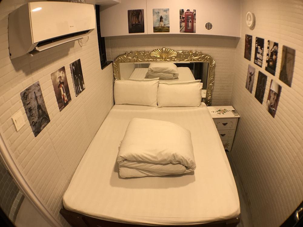 https://i.travelapi.com/hotels/38000000/37290000/37288700/37288620/3b84c723_z.jpg
