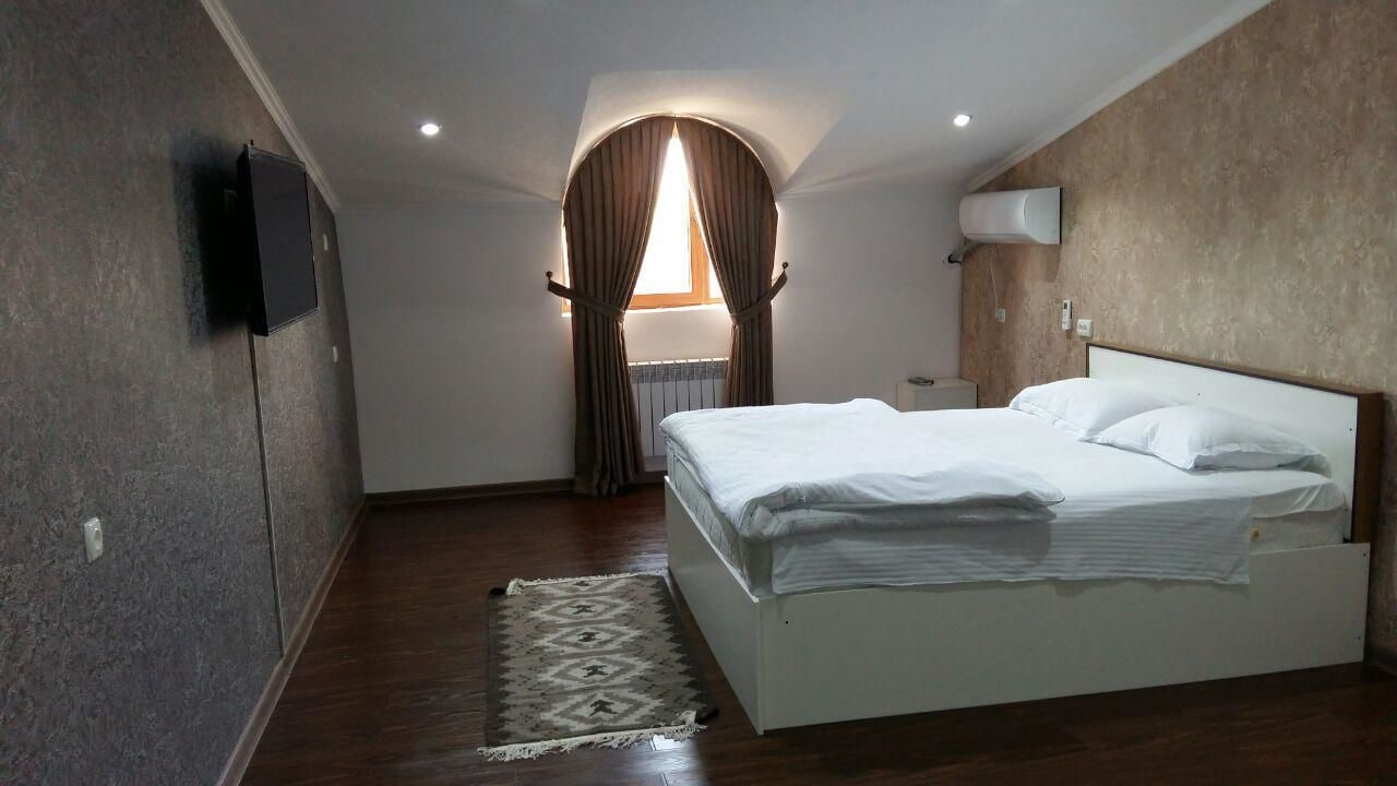 MANIJA Hostel, Oqdaryo