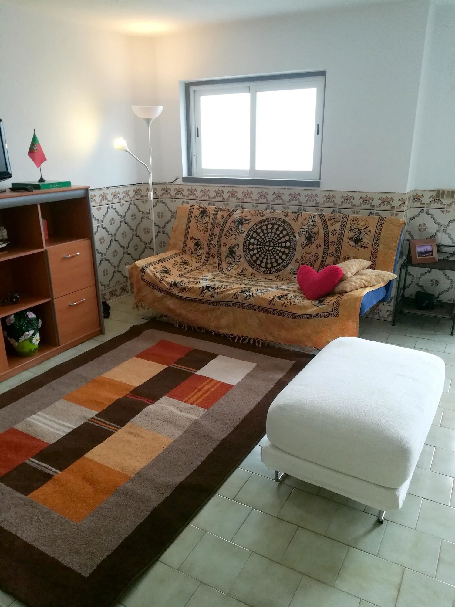 House With one Bedroom in Corroios, With Enclosed Garden and Wifi - 6 km From the Beach, Seixal