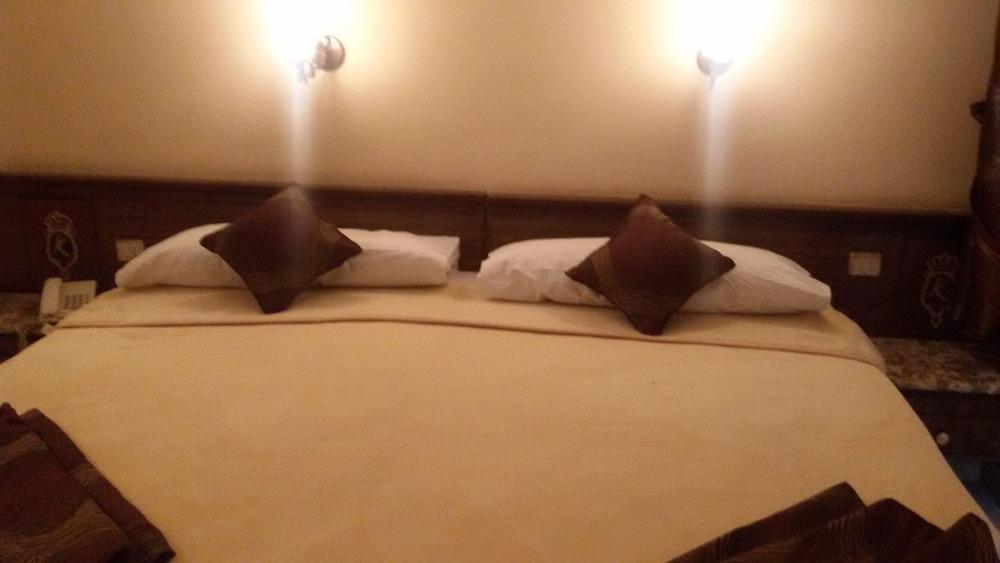 カンジー ホテル