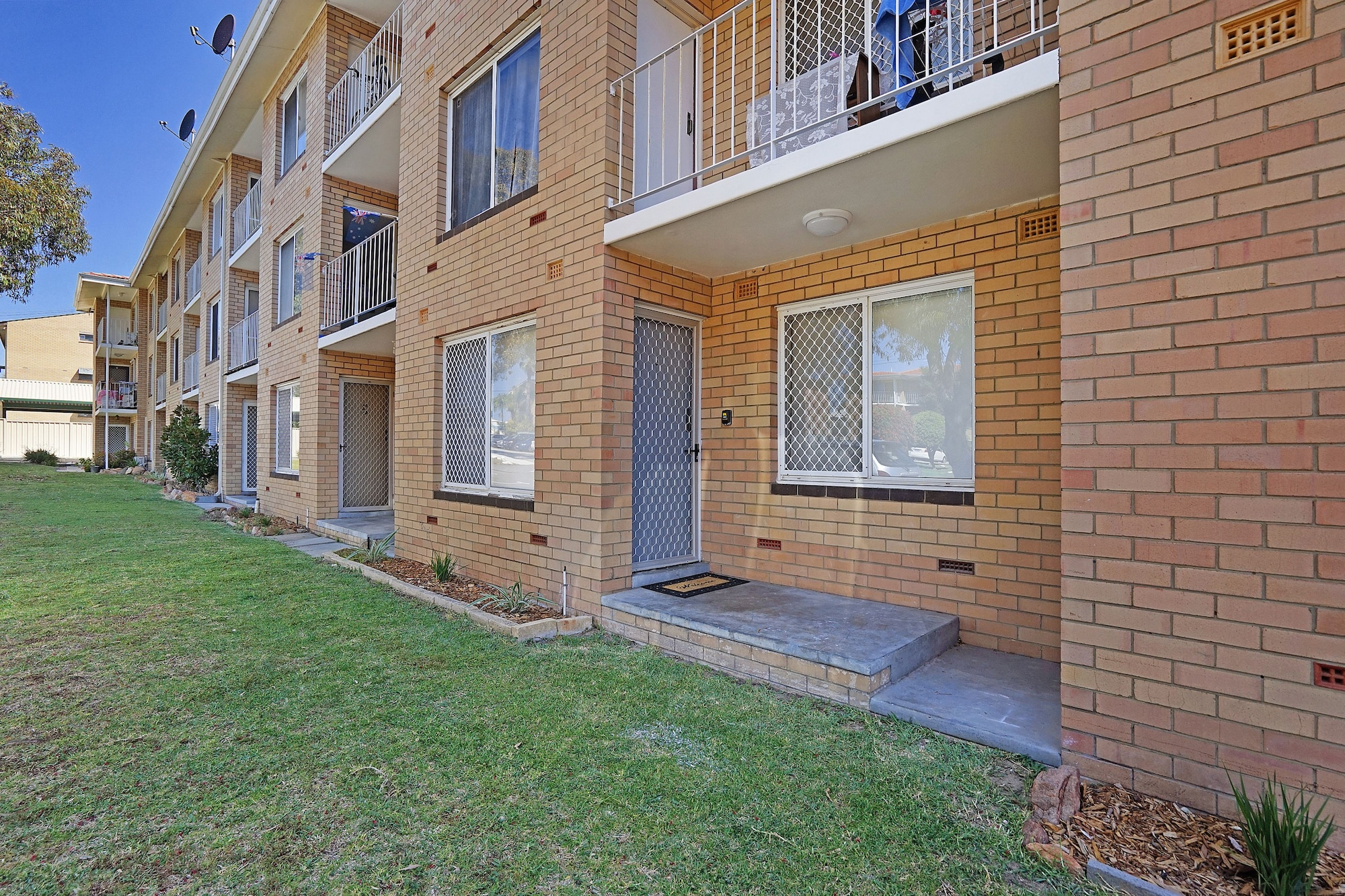 Rivervale Apartment, Belmont